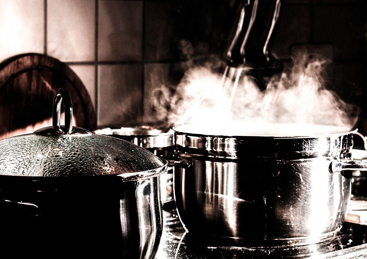 Kotły warzelne – sprzęt do lokalu gastronomicznego
