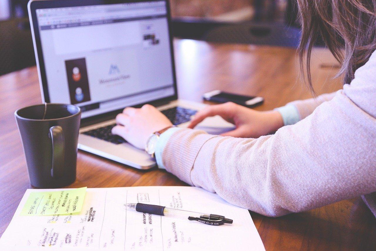 Jak odbywa się obieg cyfrowych dokumentów?