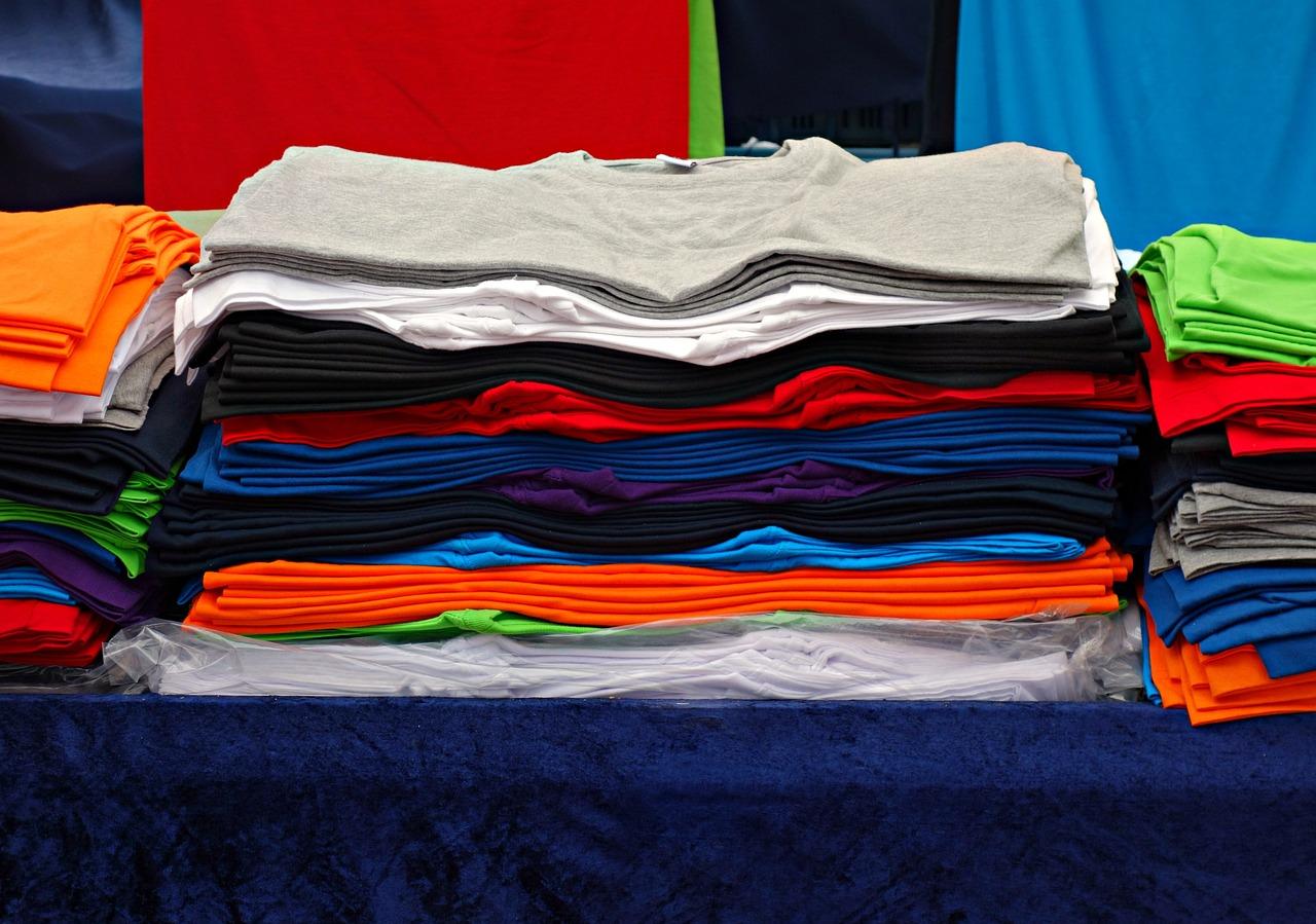 Na co zwrócić uwagę przy wyborze koszulek?
