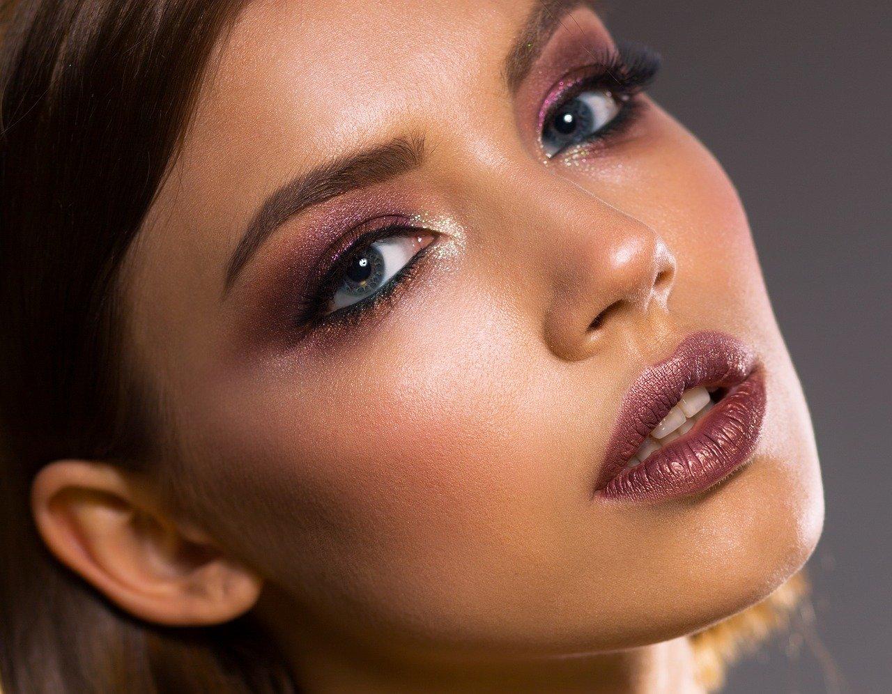 Trwały makijaż dla każdej kobiety